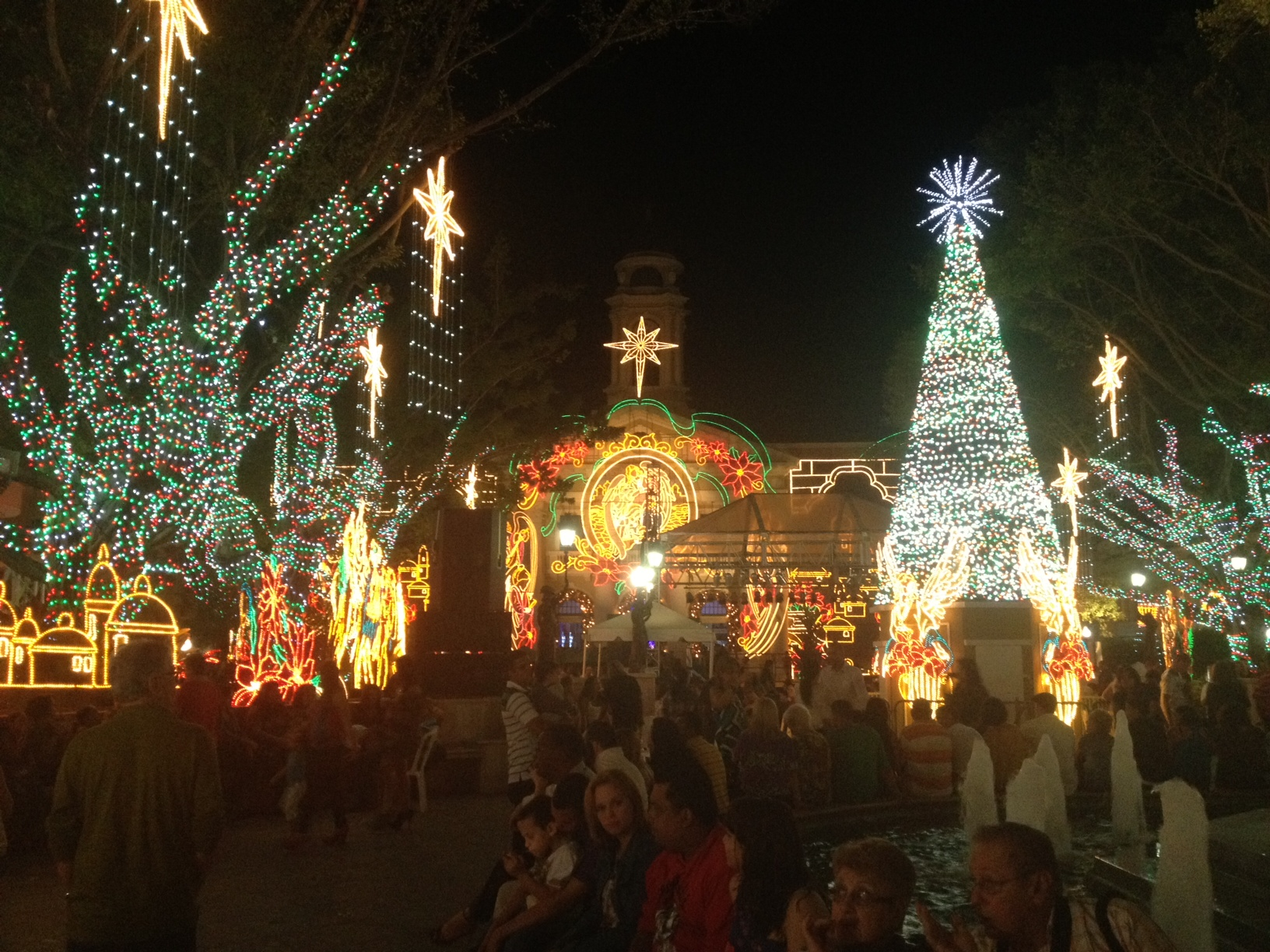 7 Best Christmas Destinations in USA for Celebration ...